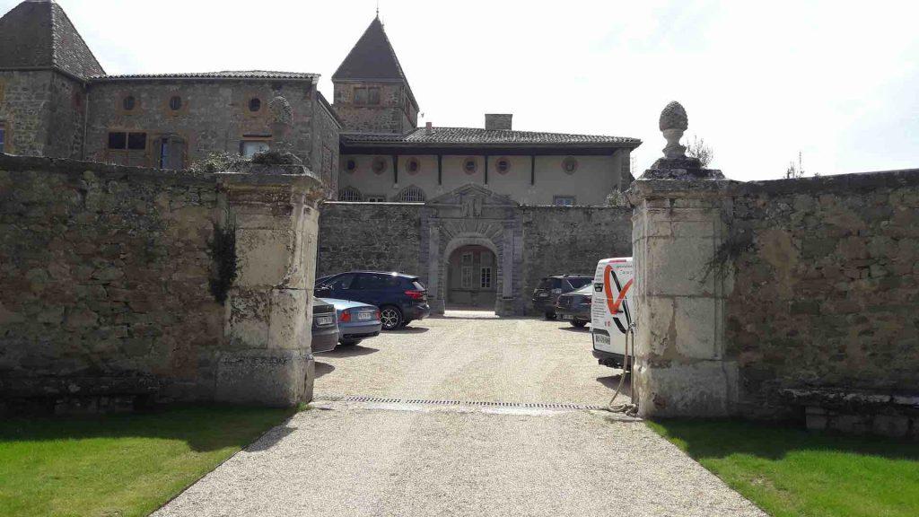 L'entrée du château La Gallée à Millery